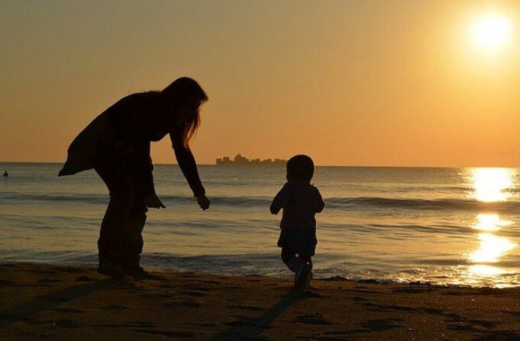 Ilustrasi ibu dan anak. (thinkstock)